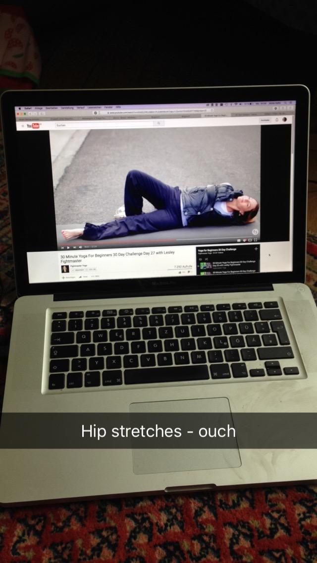 Lesley Fightmaster 30 Days of Yoga Beginners Challenge - Hip openers