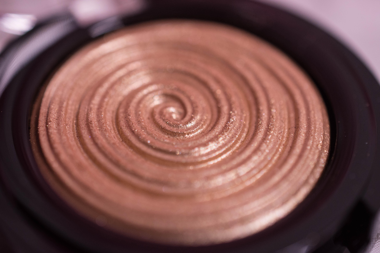 Laura Geller Baked Gelato Swirl Highlighter