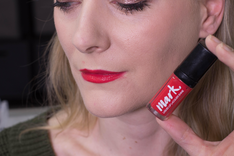 AVON mark. Liquid Lip Lacquer Shine