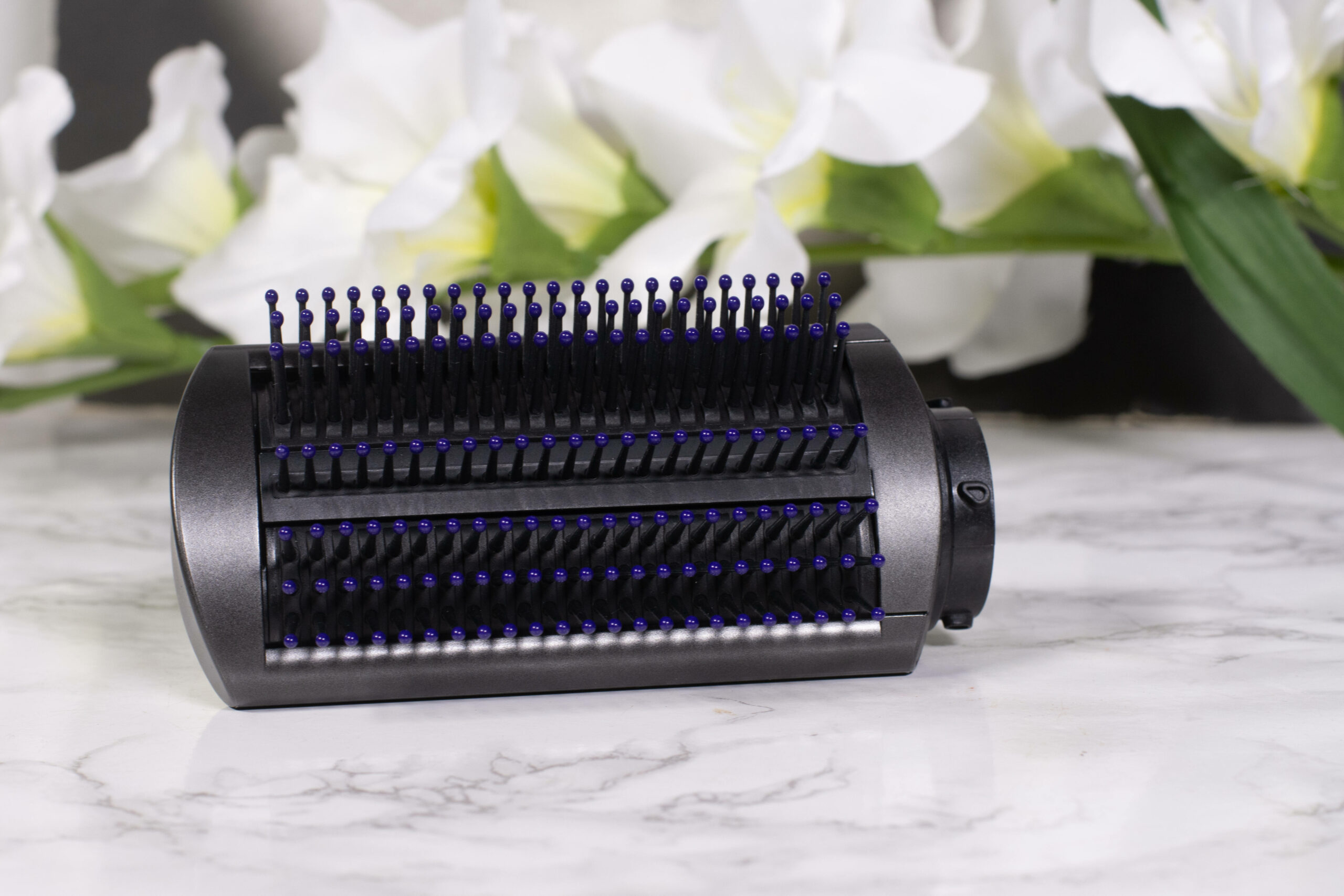 The smoothing brush for fine hair of the Dyson AirWrap Hair Styler